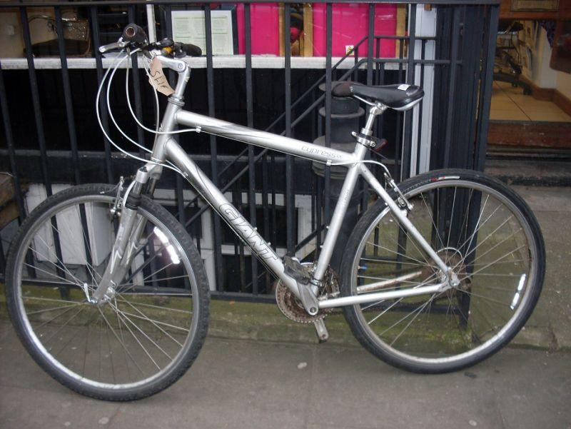 Our Bikes Secondhand Bikes Hybrid Bikes Giant Cypress Lx