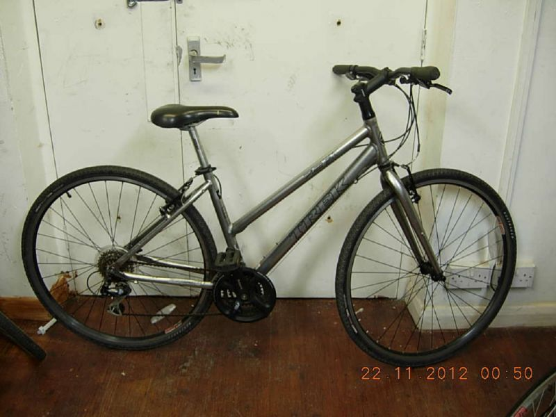 Our Bikes Secondhand Bikes Hybrid Bikes Trek 7 2 Fx